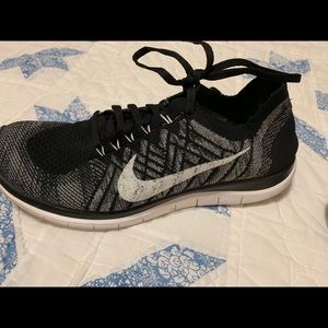 Nike Women's Free Flynight Running Shoes